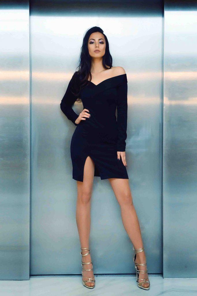 London escorts - leggy London model